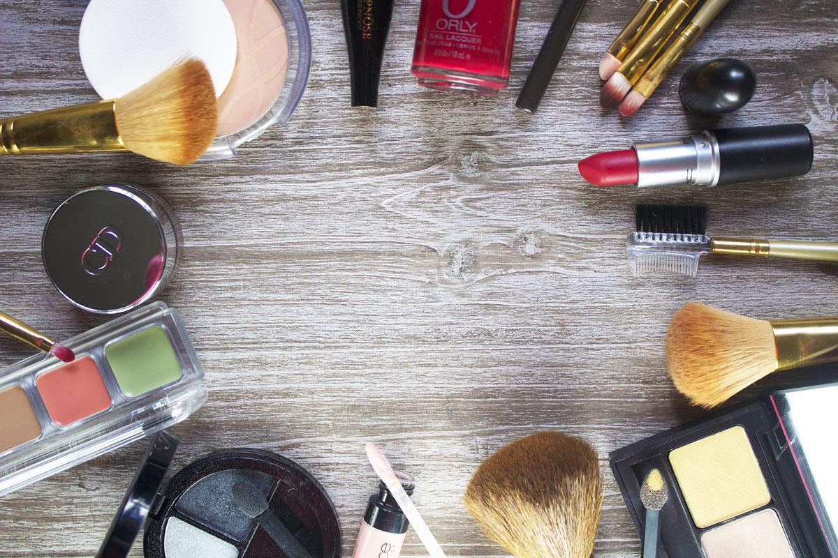Comment laver pinceaux et éponges de maquillage ?