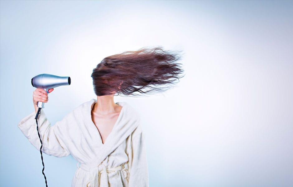 Soins aux cheveux secs