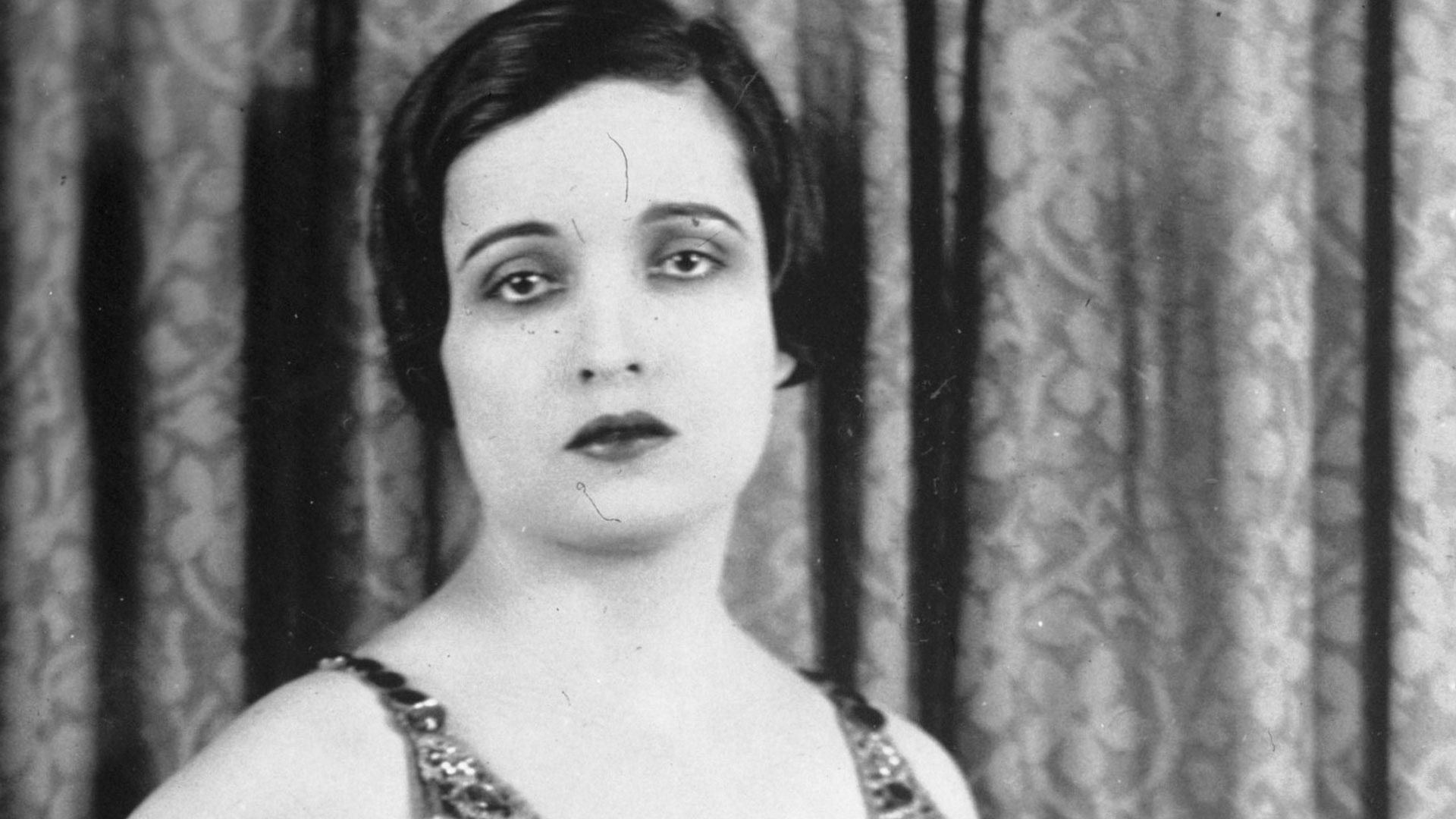 Histoire des cheveux courts, Alice Joyce en 1926