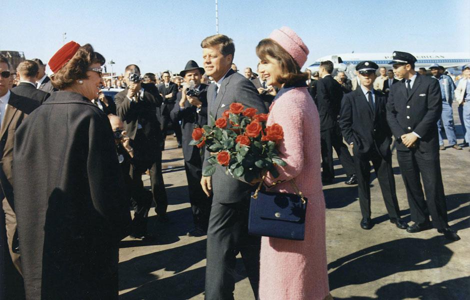 Le tailleur Chanel rose historique de Jacky Kennedy