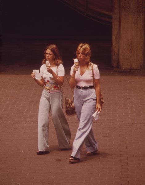1973, pattes d'éph' XXL