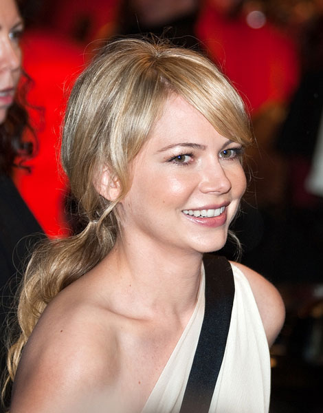 Michelle Williams cheveux longs, 2010