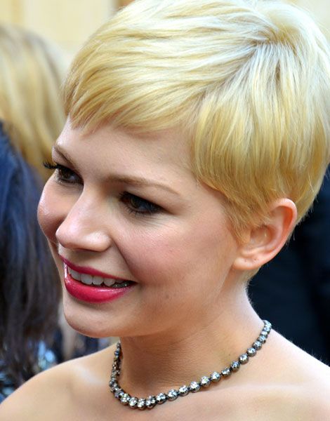 Cheveux longs à courts : Michelle Williams en 2012