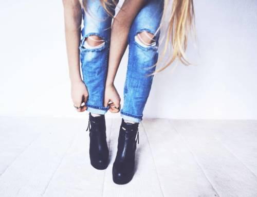 Le jeans slim : du punk anarchiste d'hier au basique mode d'aujourd'hui