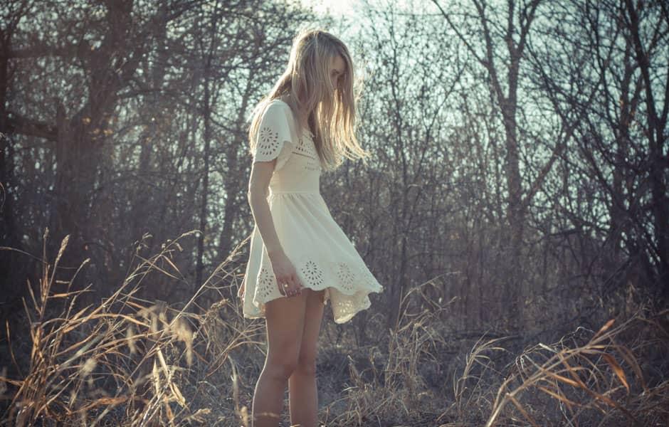 Mode bohème : la robe et la chemise blanches