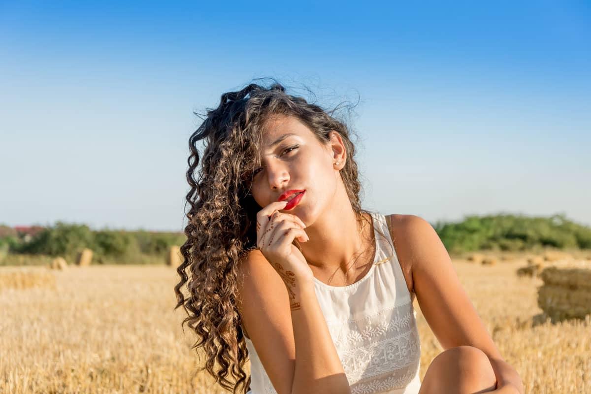 Cheveux bouclés : plus de rebondi et d'hydratation