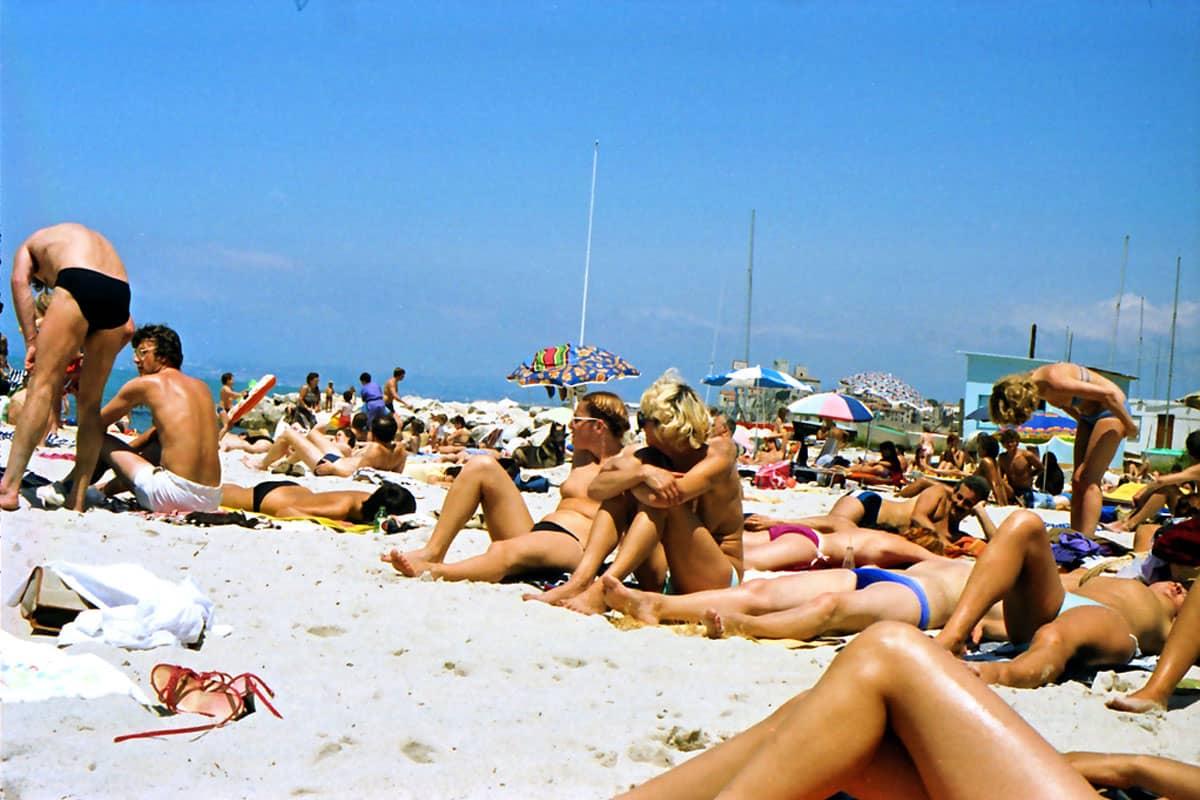 Années 1980 : culte du corps et bronzage