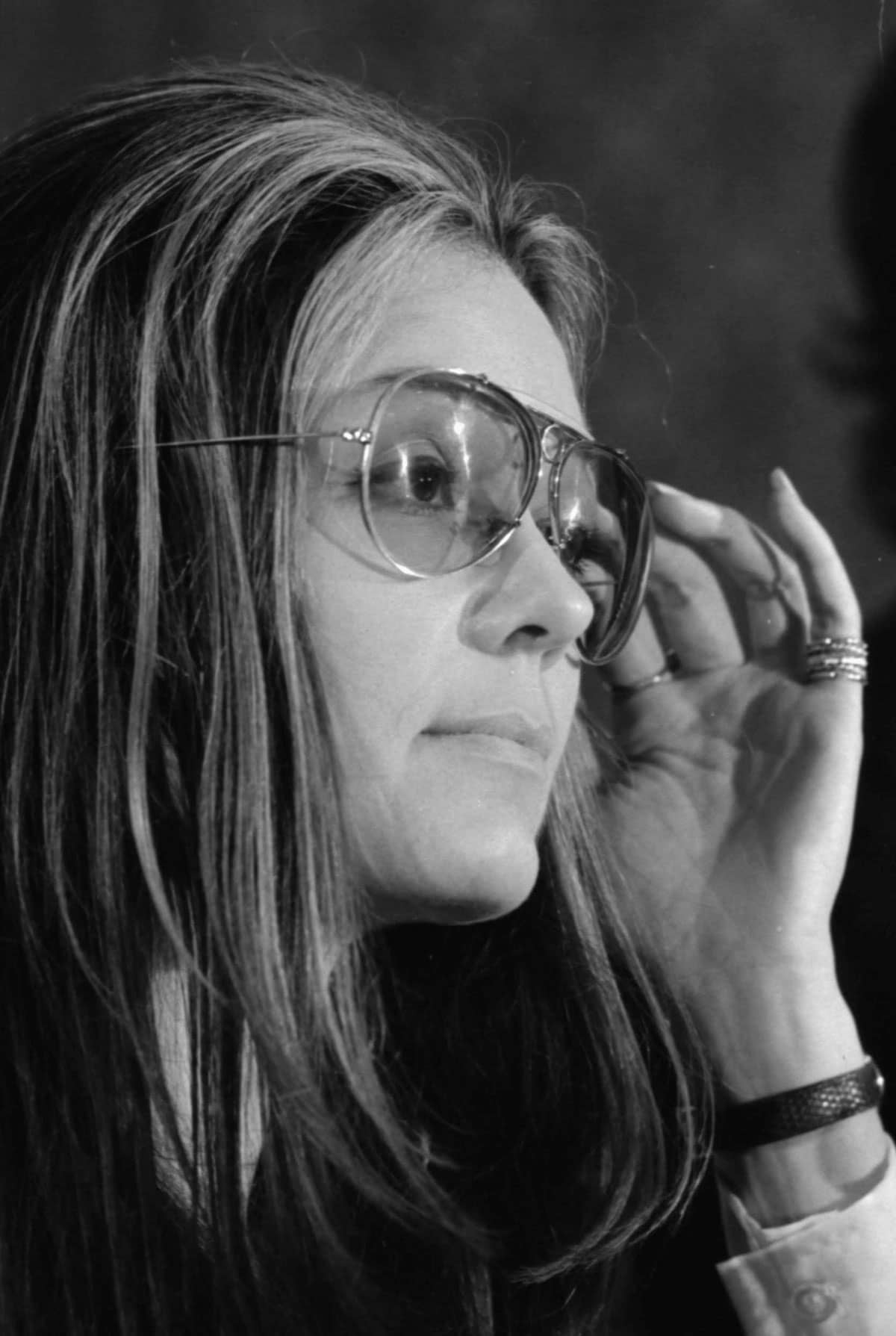 Gloria Steinheim et ses lunettes XL, 1972