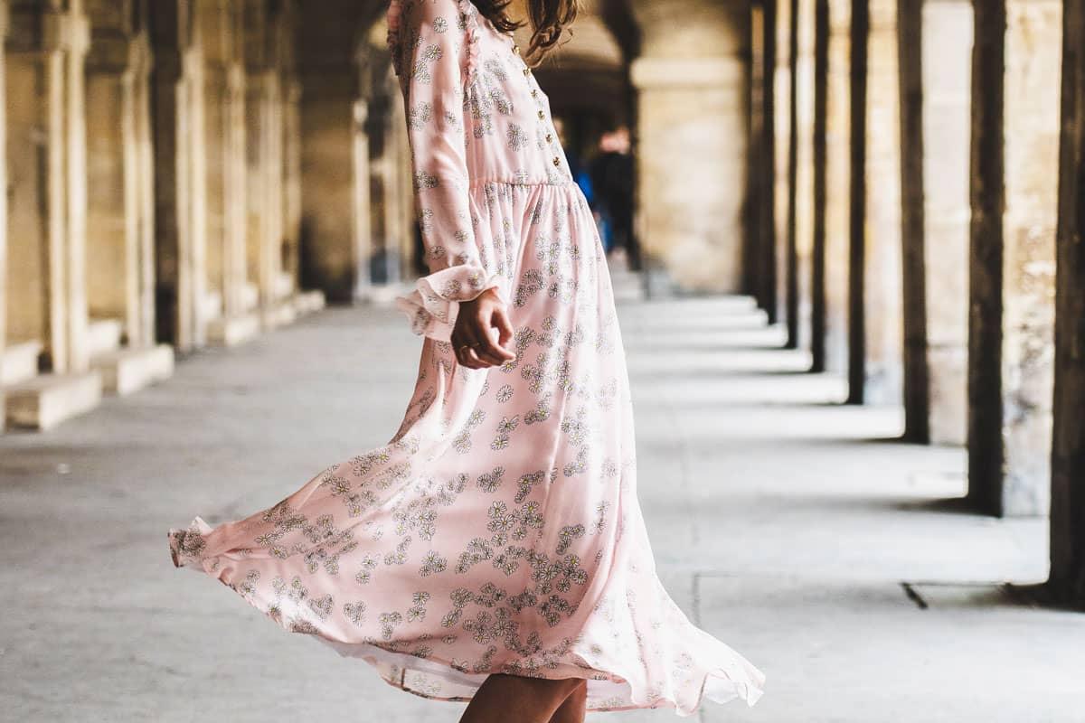 Vêtements bohèmes : la robe et la jupe à imprimés